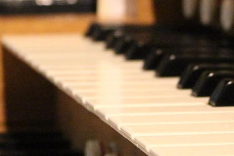 Close up of keys at the organ console