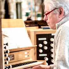 Neil Sissons at the organ console